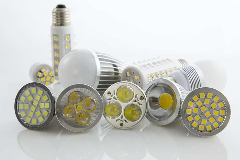normal vs smart bulbs