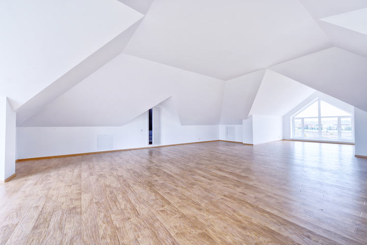 empty apartment with no lighting